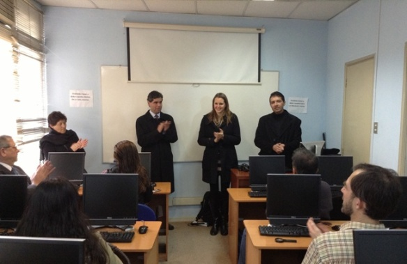 George Wullf, Carlos Acevedo de la UNCICH y Andrea Boudeguer de Senadis dan la bienvenida a los alumnos